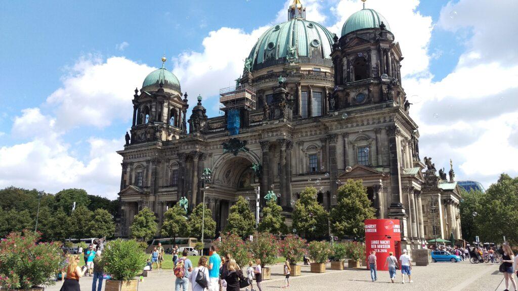 Berlin Dom present