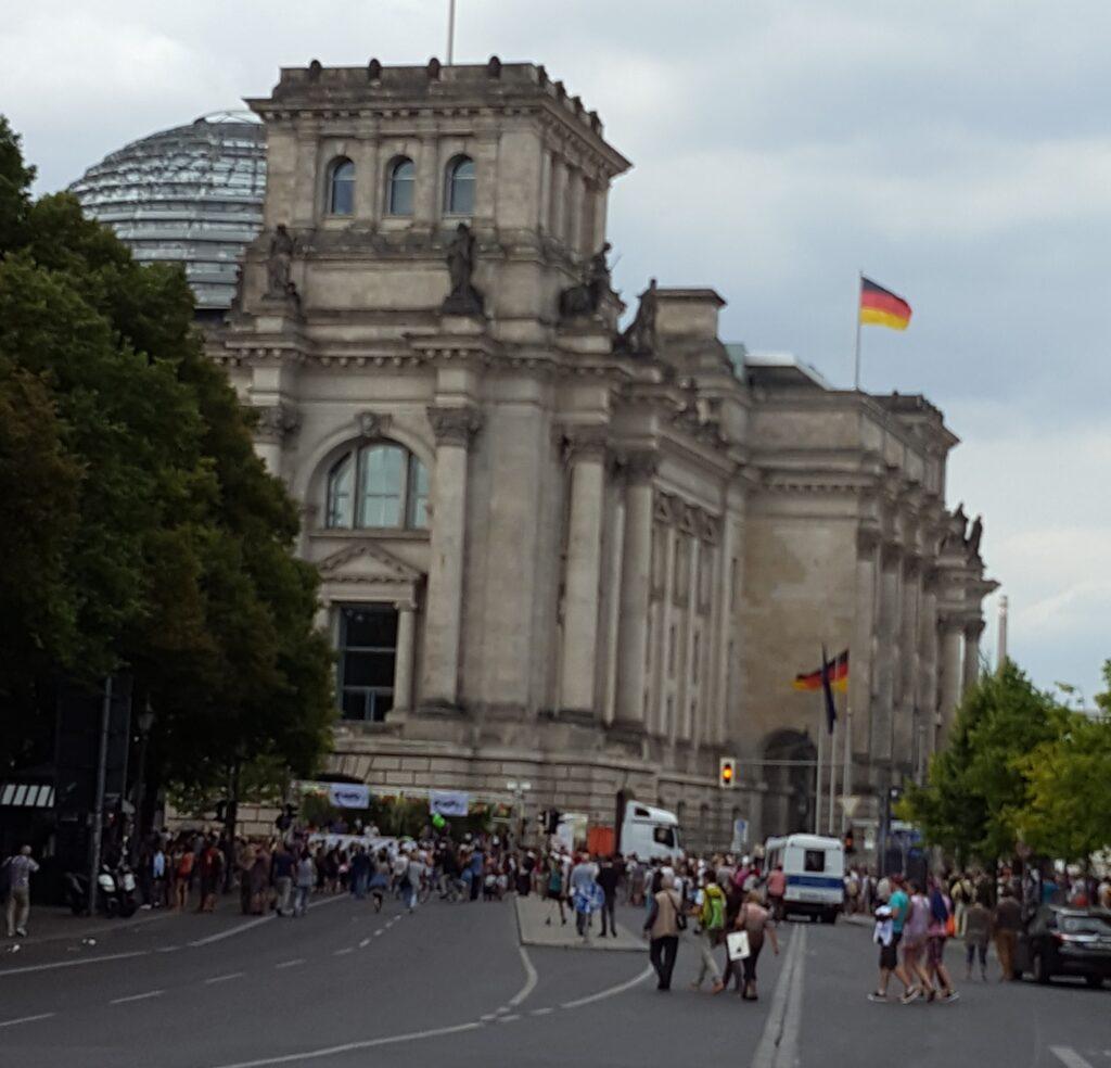 Reichstag present