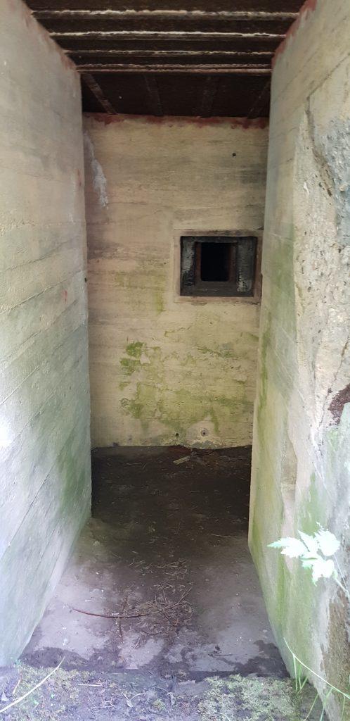 Bunker S.t.610 entrance 02