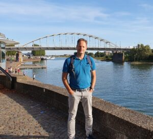 Erwin Jacobs in front of Arnhem bridge