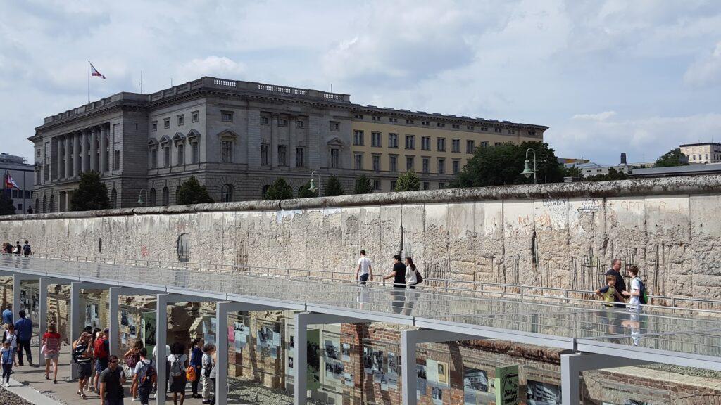 Niederkirchnerstraße - berlin wall